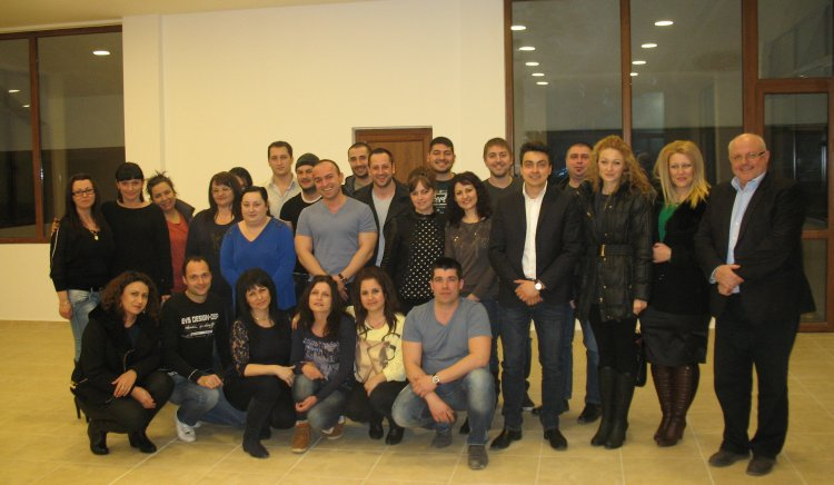 Полезна дискусия проведоха младежи с кмета на община Харманли и евродепутата Момчил Неков