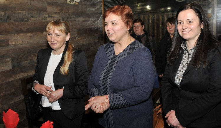 Елена Йончева се срещна с Демократичния съюз на жените в град Харманли