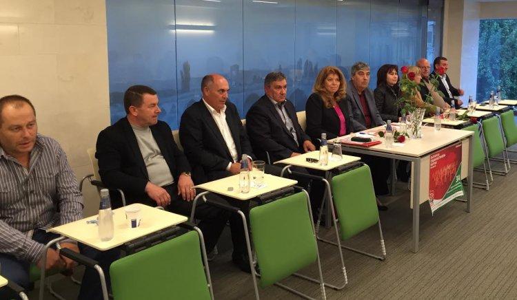 Илияна Йотова: Местните власти са оставени от българското правителство да се справят сами с бежанската криза