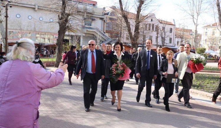 Корнелия Нинова: Целостта на България или въгледобивът в Арктика. Това е изборът днес